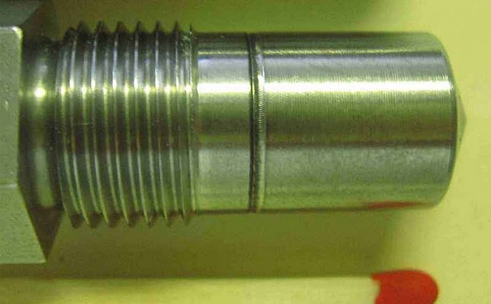 Butt joint welding of a nozzle tip with a nozzle body